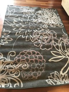 Area rug, see second. Picture for diamensions
