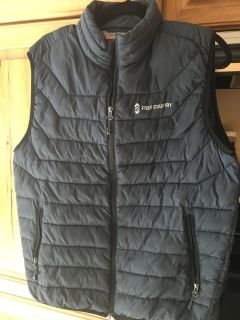 Free Country size men s med or ladies Xl very light weight but warm
