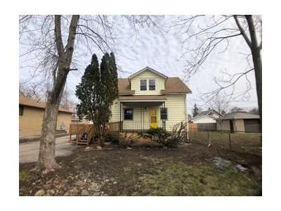 3 Bed 1 Bath Foreclosure Property in Joliet, IL 60435 - Vine St