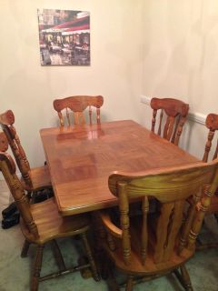$200, Solid Wood Dining Room Table  Chairs