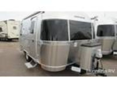 2019 Airstream Flying Cloud 19CNB