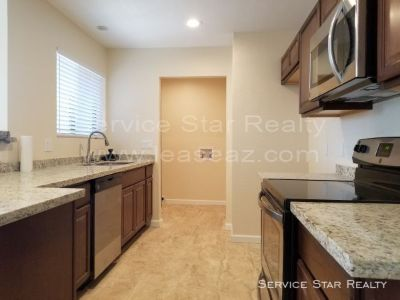 Beautiful 3 Bed 2.5 Bath two story condo in Phoenix!