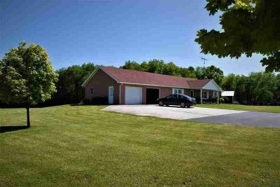 4427 Kingwood Rd Rockwood, Peaceful setting with a great