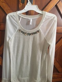 Womens: xs (fits like small) sheer long sleeved shirt