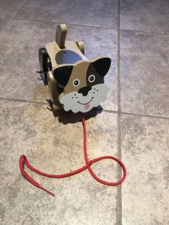 Melissa & Doug wooden Playful Puppy pull behind toy