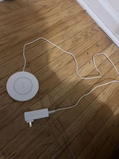 Belkin wireless charger for iphones-see pics for full compatibility list