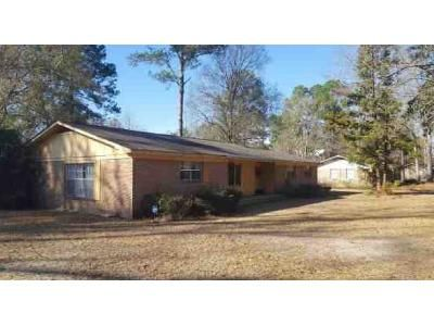 3 Bed 2 Bath Foreclosure Property in Brewton, AL 36426 - Sowell Rd