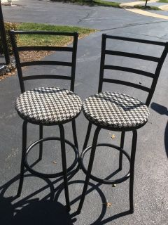 Set of 2 kitchen man cave bar black & white tall stools chairs