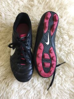 Size 4 Nike girls soccer cleats