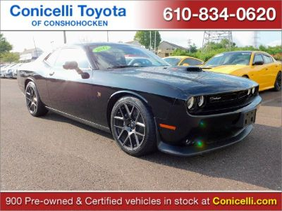 2017 Dodge Challenger 392 Hemi Scat Pack Shaker (Pitch Black Clearcoat)