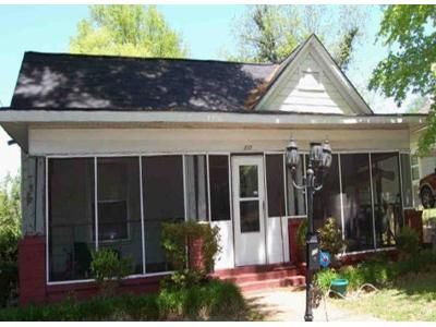 3 Bed 2 Bath Foreclosure Property in Bessemer, AL 35020 - Parker St
