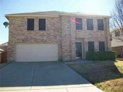 543 Del Mar Drive Ponder, Great size Five BR home.