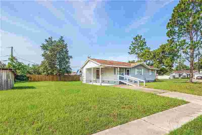 3735 Trade Street DELTONA Three BR, very clean home on a large