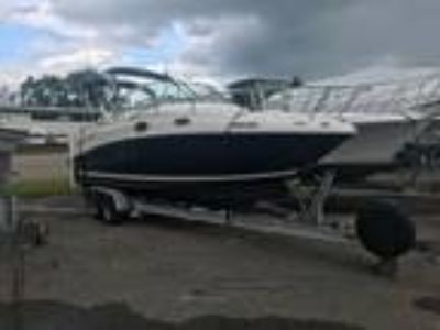 24' Sea Ray 240 Sundancer 2006