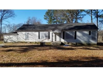 4 Bed 1 Bath Foreclosure Property in Henning, TN 38041 - Highway 371