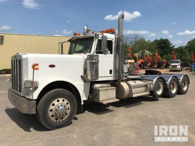 2012 Peterbilt 389 Tri/A Day Cab Truck Tractor