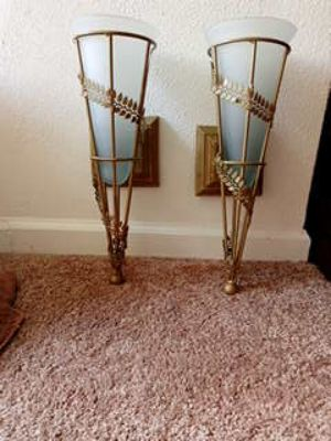 Beautiful vintage pair of sconces. PPU ONLY