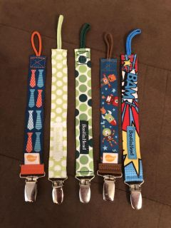 5 pacifier clips ! All in euc
