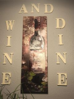 Large wine bottle picture