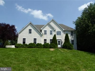 4 Bed 4 Bath Foreclosure Property in Pottstown, PA 19465 - Meadow Ln