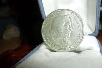 Exceptionally a Rare Coin Columbian Commemorative Silver Half Dollar 1892-P Pure