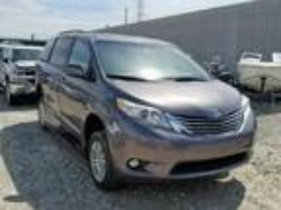 Salvage 2017 TOYOTA SIENNA XLE for Sale