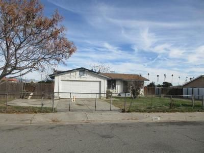 3 Bed 2 Bath Foreclosure Property in Fontana, CA 92335 - Date St