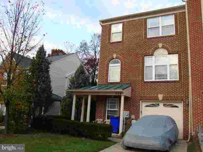 309 Willowglen Ave Mount Airy Three BR, 3 finished level end unit