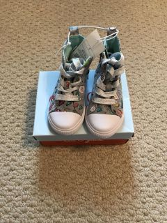 Size 7C girls high top tennis shoes. NWT