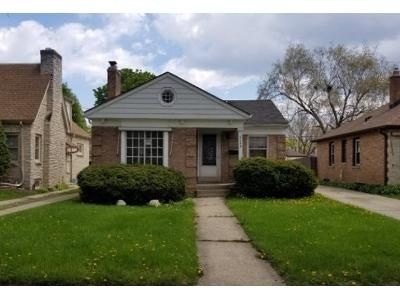 2 Bed 1 Bath Foreclosure Property in Milwaukee, WI 53216 - N 40th St