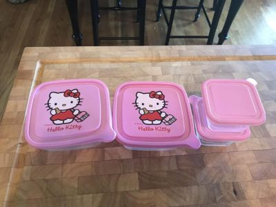 Hello Kitty food containers