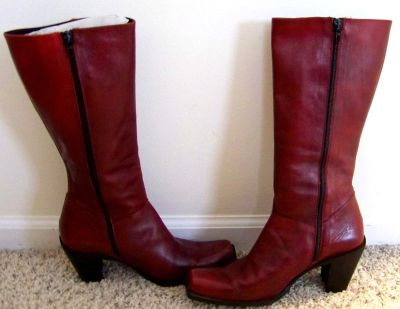Moving SALE! 100% Leather Cowboy Boots, snake trim, size 7-7.5-m Worn once!