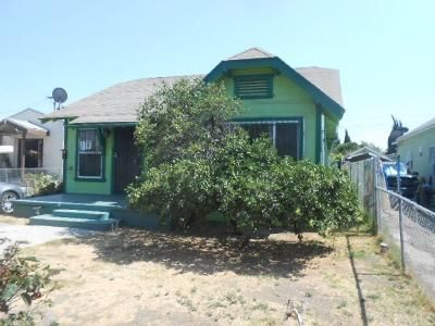 3 Bed 2 Bath Foreclosure Property in Los Angeles, CA 90003 - E 74th St