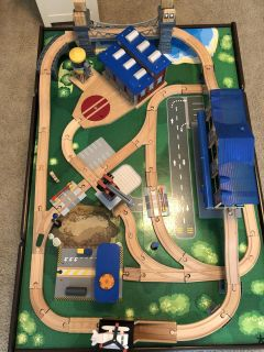 Train table set with extra tracks