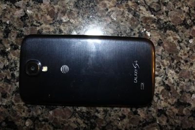 $320, Samsung Galaxy S4 comes with 3 cases clean IMEIESN