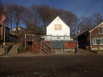 2 Bed 1 Bath Preforeclosure Property in North Weymouth, MA 02191 - Kings Cove Beach Rd