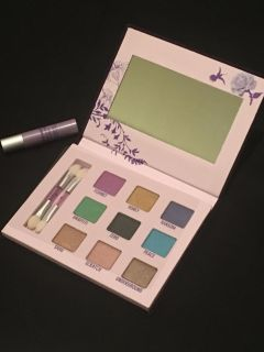 Authentic New Urban Decay Deluxe Shadow Box