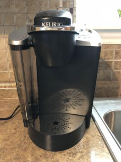 Like New Keurig Coffee Maker. Use 2 Time. I Don t Drink Coffee So I Want To Sell