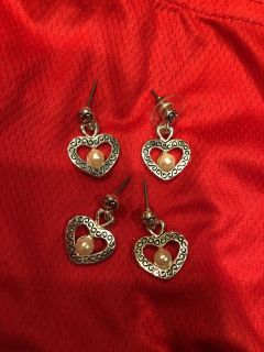 Brand New 2 Pairs Of The Same Silver Heart Earrings With Pearls