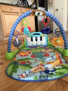 Fisher Price kick and play piano baby toy play gym