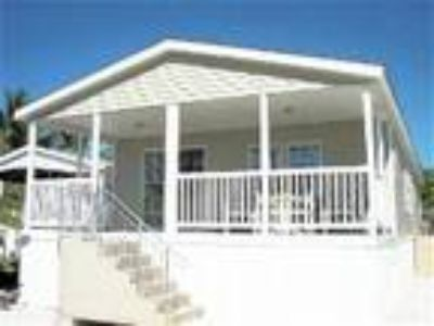 NEWER Home - Super Clean - Waterfront!l - House