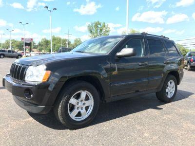 2005 Jeep Grand Cherokee Laredo (Black)