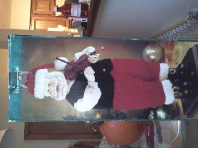 $25 Grandeur Noel Musical Motion Santa