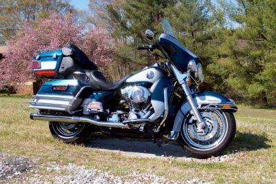 2002 Harley-Davidson Flhtcu Ultra Classic (Blue)