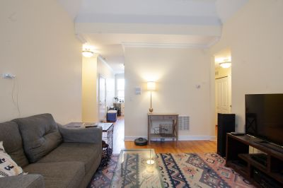 Stunning All Remodeled 2bd/2bth Rogers Park First Floor Walk Up - In Unit W/D!