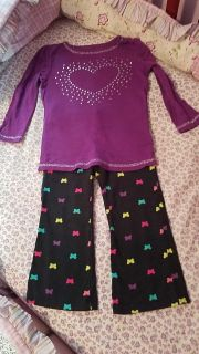 Toddler girl outfit size 2T $2