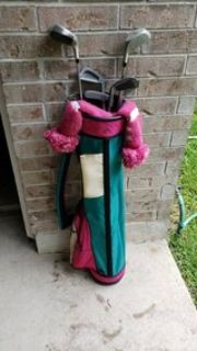 Ladies RH golf clubs w/bag