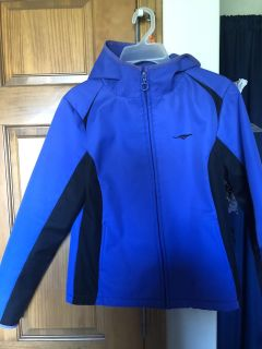 Girls size XL shell jacket, smoke free in Darboy, crossposted