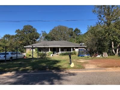 3 Bed 2.0 Bath Preforeclosure Property in Mobile, AL 36695 - Cottage Park Dr N