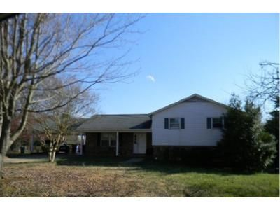 3 Bed 2 Bath Foreclosure Property in Winston Salem, NC 27107 - Sedgeview Ln
